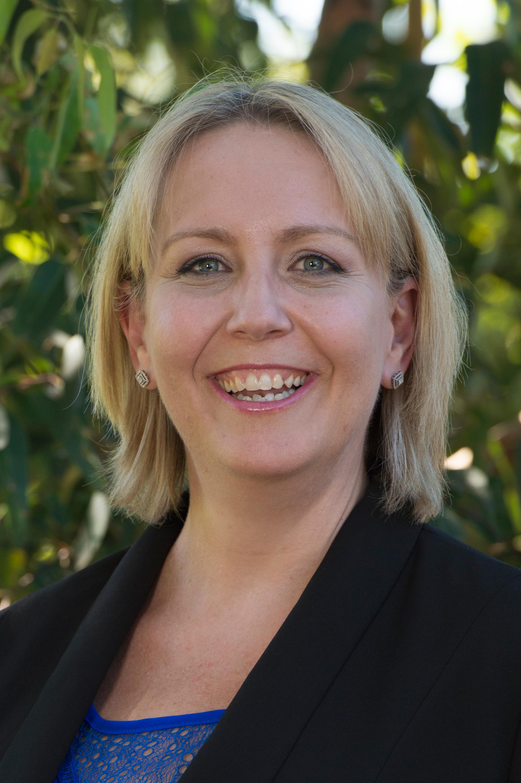 Suzanne Hollins portrait