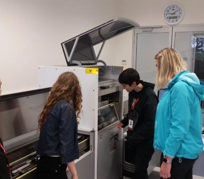 WISE students using the ITRAX XRF core scanner